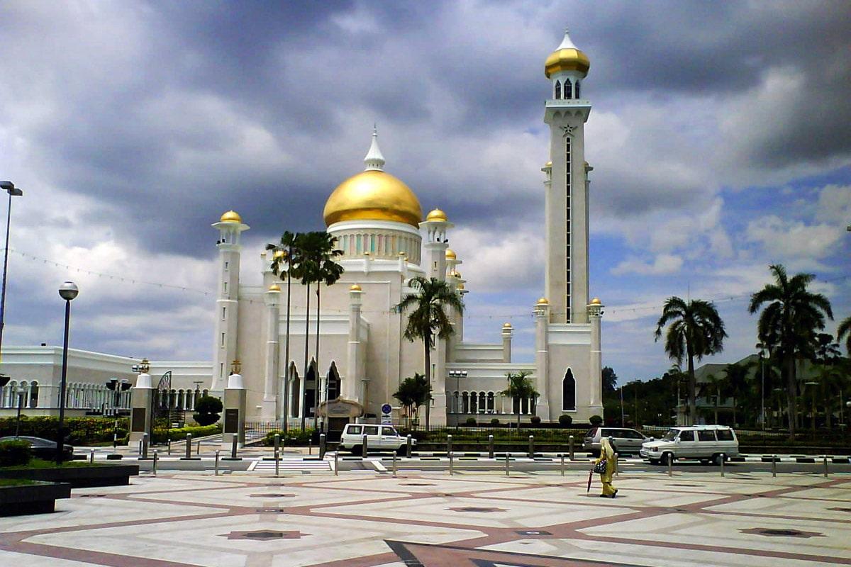 Omar-Ali-Saifuddin-Mosque-5