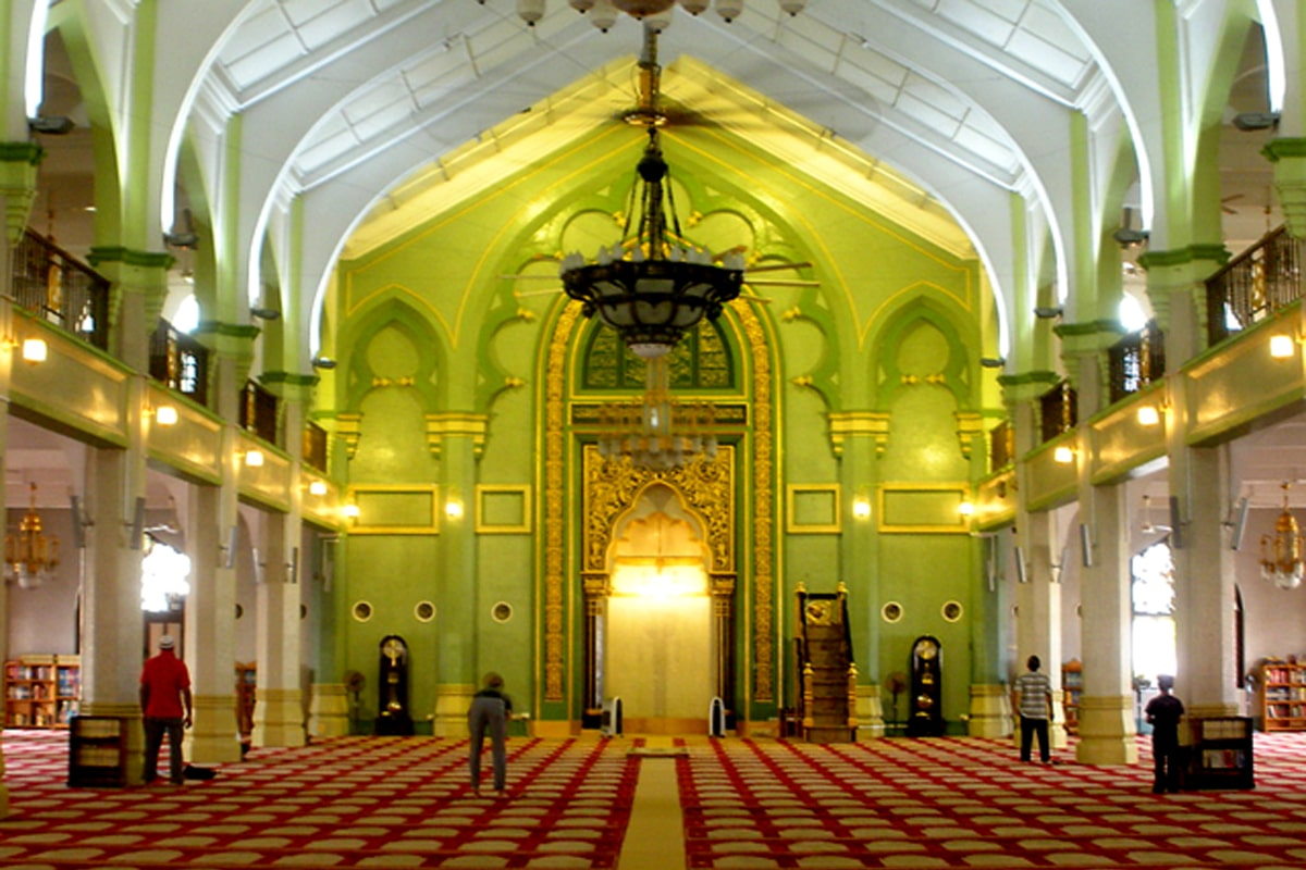 Omar-Ali-Saifuddin-Mosque-6