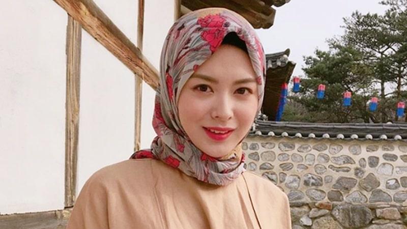 Ayana-Jihye-Moon