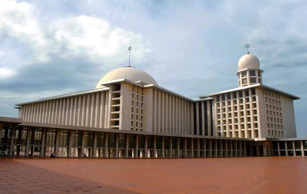 Masjid-Istiqlal-Jakarta-Indonesia-1