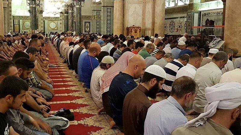 shalat-tarawih-di-al-aqsha